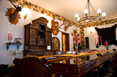 Castelul Printul Vanator & Dracula - Turda