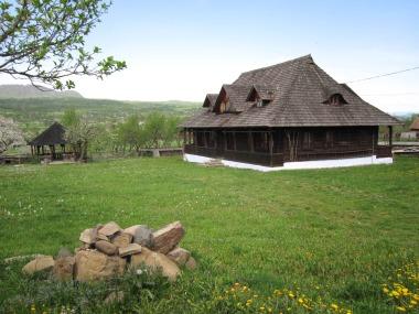 Destinatii ecoturistice in Romania  (1 of 1)
