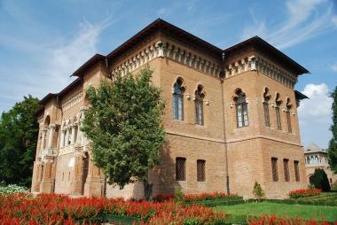 Atractii in apropiere de Bucuresti - Palatul Mogosoaia