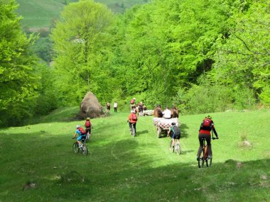 Cicloturism in satul Breb
