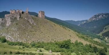 Cetatea Trascaului, la 30 km de Turda