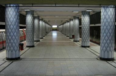 Statia de metrou Politehnica, Bucuresti