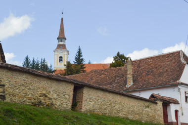 Transilvania - biserica fortificata din Crit