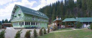 Vila Alpin, Comandau