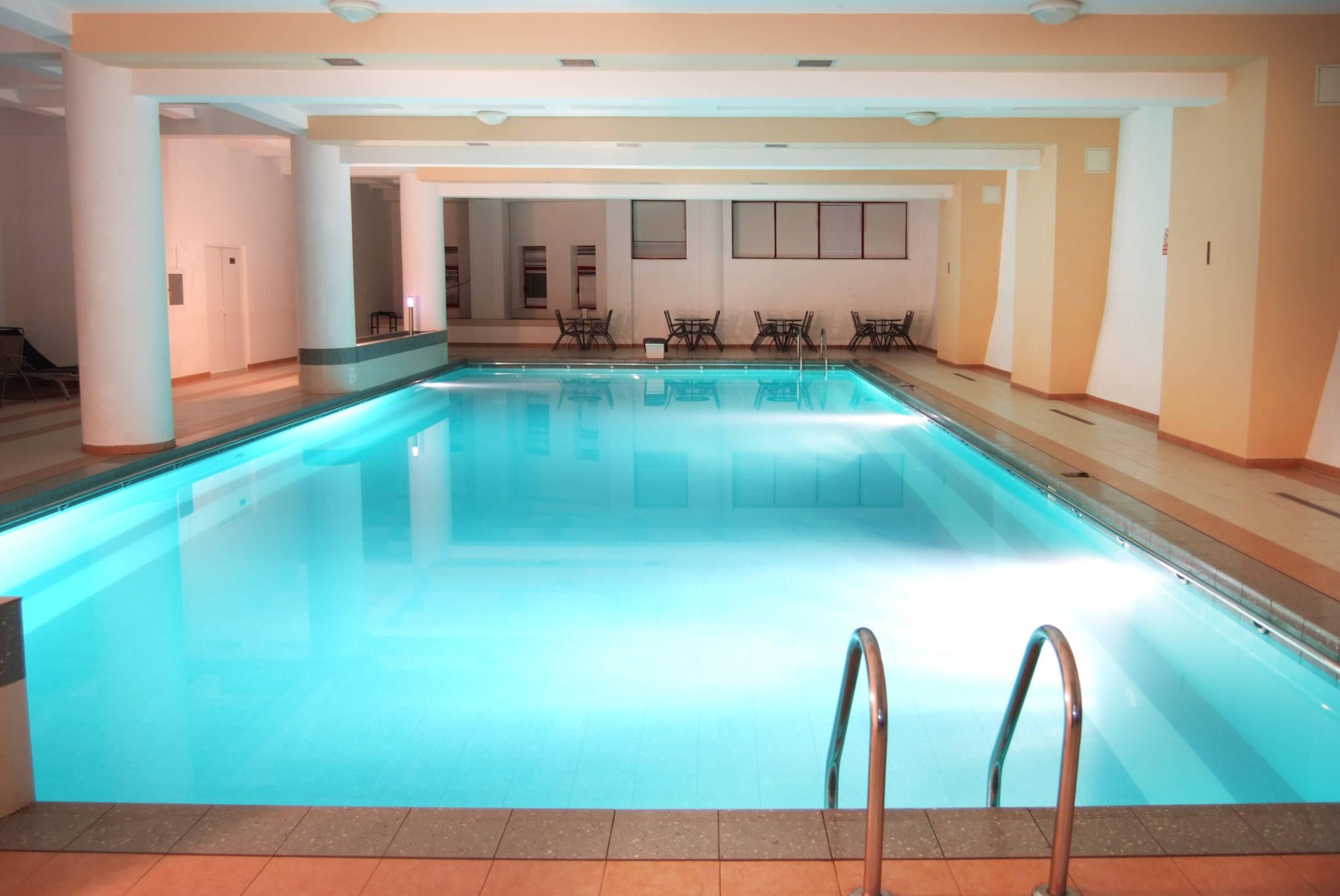 17 hoteluri frumoase din romania cu centru wellness spa for Hotel cu piscina