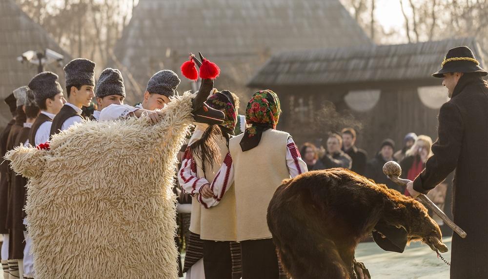 Traditii romanesti, foto Tiberiu Sahlean