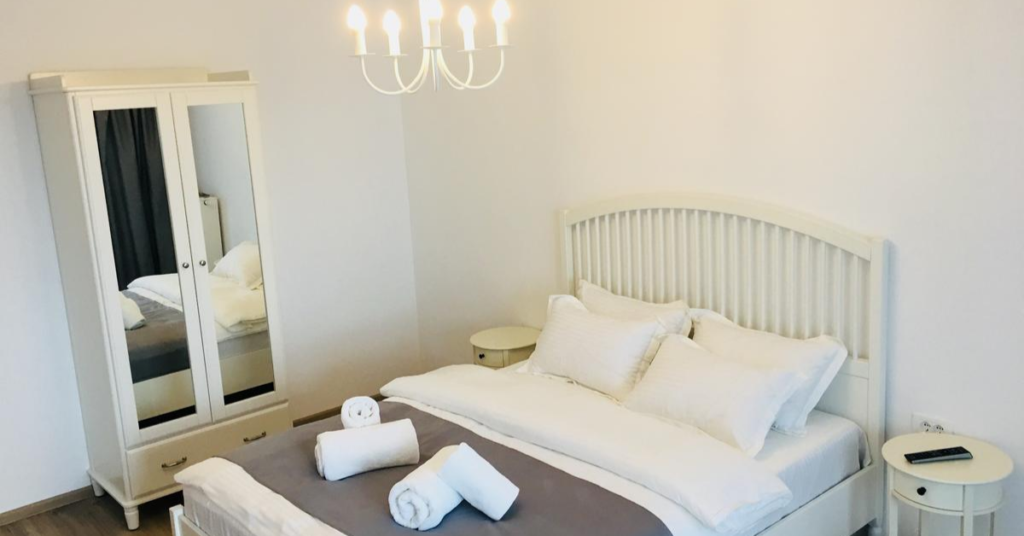 White Apartment Brasov